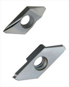 【新製品】三菱マテリアル<br>小物部品加工に適した旋削工具シリーズを拡充