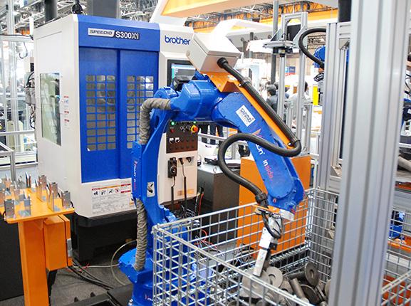 ロボ、IoT時代到来 エンジニアリングの強化<br>マネタイズや人材に課題も