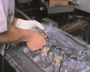 バリはあらゆる金属加工で発生する