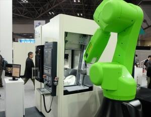 ロボットを組み合わせた自動化