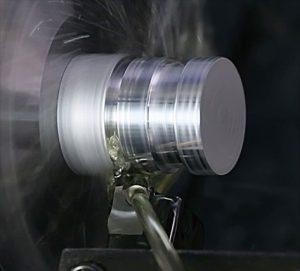 アルミを加工する多機能工具
